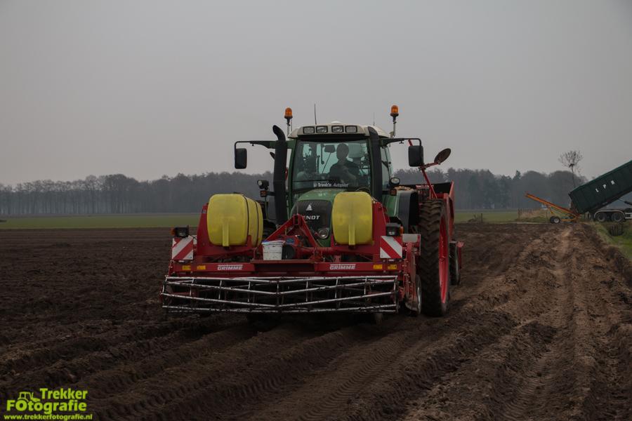 trekkerfotografie-aardappels-poten-ploegmakers-IMG_7111