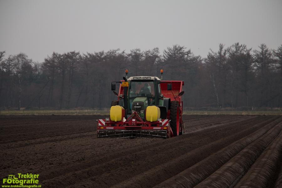 trekkerfotografie-aardappels-poten-ploegmakers-IMG_7114