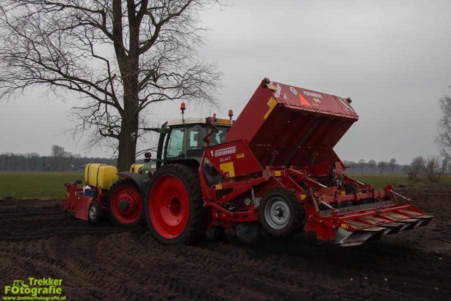 trekkerfotografie-aardappels-poten-ploegmakers-IMG_7117