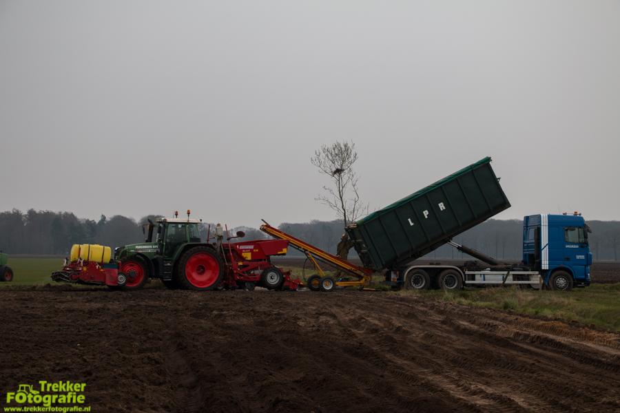 trekkerfotografie-aardappels-poten-ploegmakers-IMG_7120