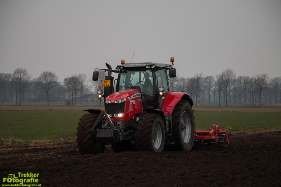 trekkerfotografie-aardappels-poten-ploegmakers-IMG_7133