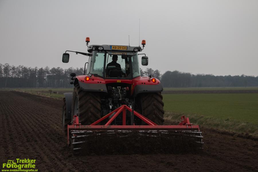trekkerfotografie-aardappels-poten-ploegmakers-IMG_7138