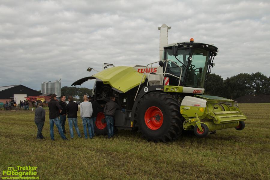 trekkerfotografie-claas-ruwvoerwinning-grondbewerkings-dag-terra-img_3615